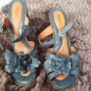 Born sz 10 deep turquoise sandals